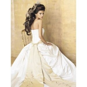 Lazaro Wedding Dress w/gold embroidered sash (4)